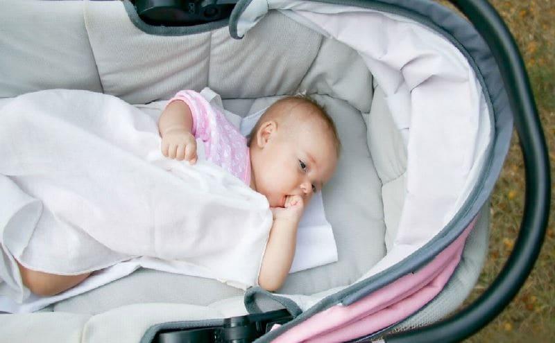 Малыш не спит в коляске