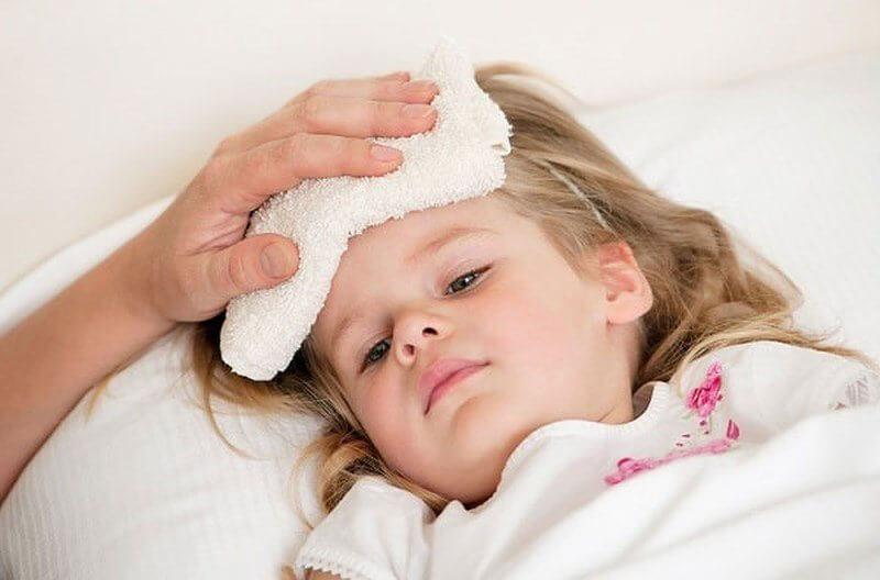 Обтерания ребенка при температуре thumbnail